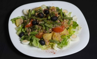 Салат тунец и картофель